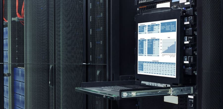 What is the Difference Between Dedicated Server Hosting and Shared Hosting?